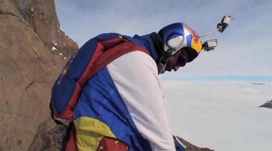 wingsuit-base-jumping-red-bull-antarctica